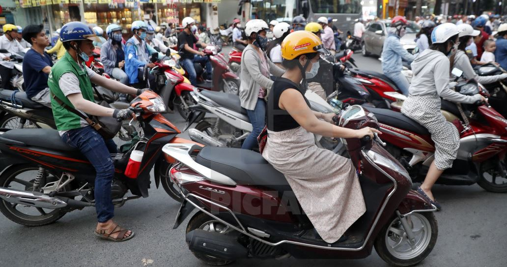traffic2 - Why Vietnam is a Great Digital Nomad Destination in 2019